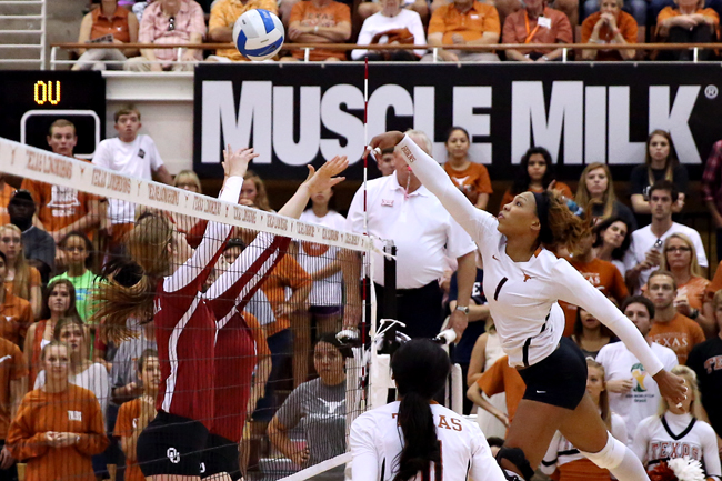 DOM_2014-10-26_UT_vs_OU_volleyball_Mike