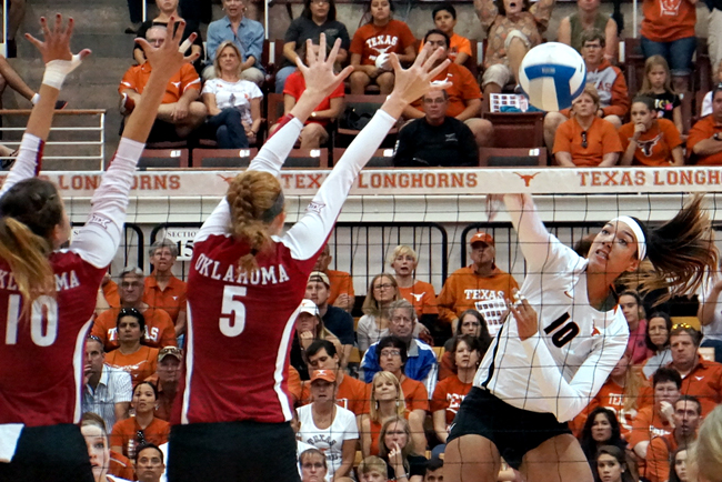 2014-10-26_UT_vs_OU_volleyball_Mike