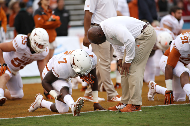 StrongFeature_2014-10-11-football_texas_vs_ou_lauren