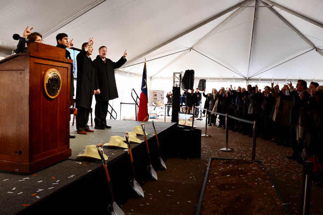 2015-02-26_groundbreaking_Andy