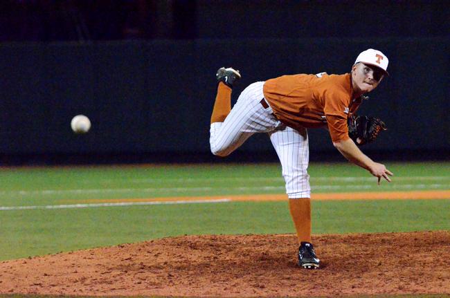 STATGUY2015-04-01_Texas_Baseball_vs