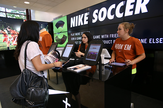 2015-09-11_NikePlusLeaderBar_Thalia