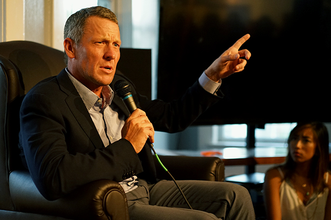2015-10-01_Lance_Armstrong_Mike