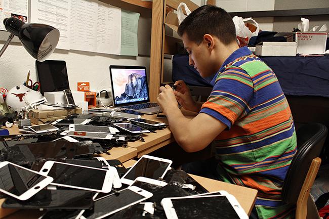 2015-10-14_iphone_repair_Jes%C3%BAs
