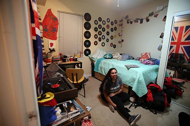 2015-11-10_housing_Students_Rachel