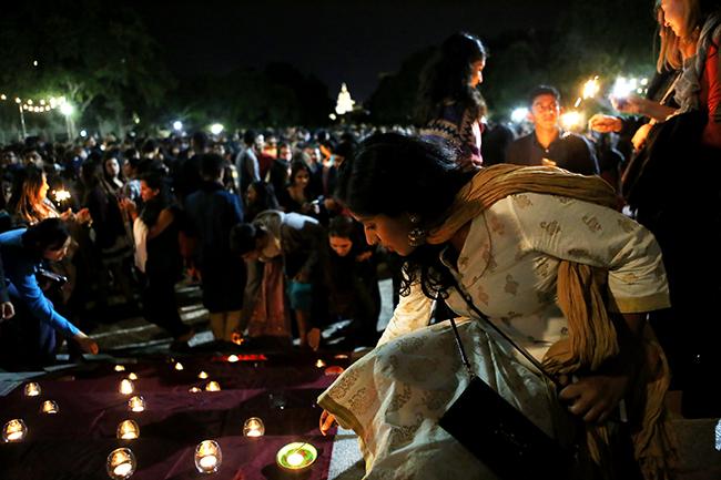 2015-11-13_Diwali_Thalia