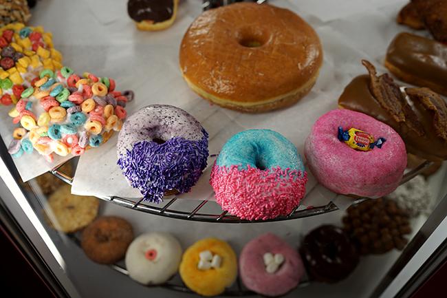 2015-11-19_Voodoo_Doughnuts_Mike