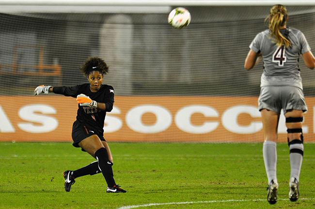 2015-11_02_Womens_Soccer_Jack