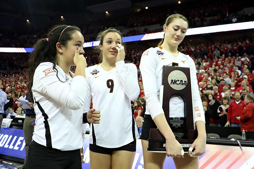2015-12-19_NCAA_Volleyball_Championship_Texas_vs_Nebraska32860