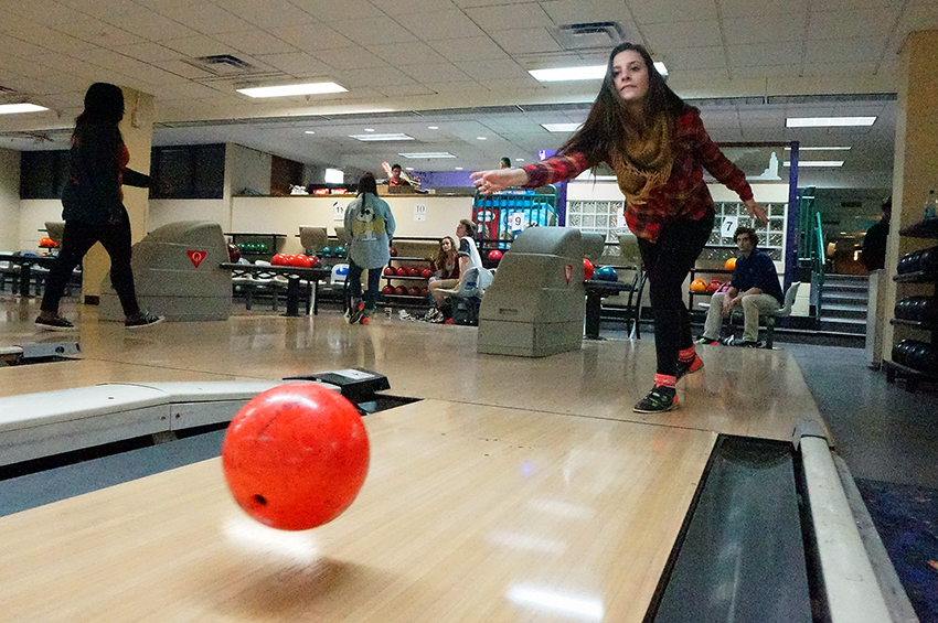 2016-02-11_union_bowling_increases_prices_Edward