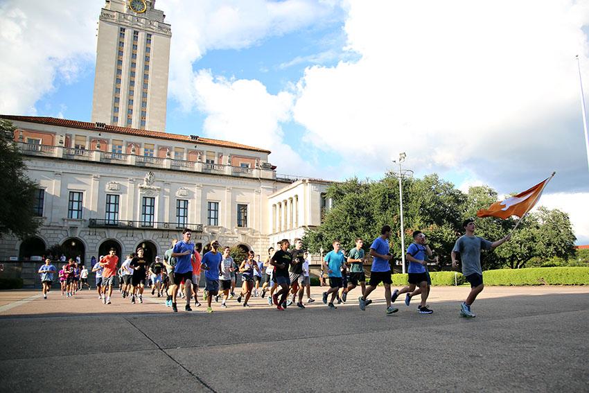 2016-08-26_Maverick_Memorial_Marathon091_Juan