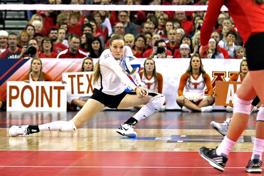 2015-12-19_NCAA_Volleyball_Championship_Texas_vs_Nebraska30699
