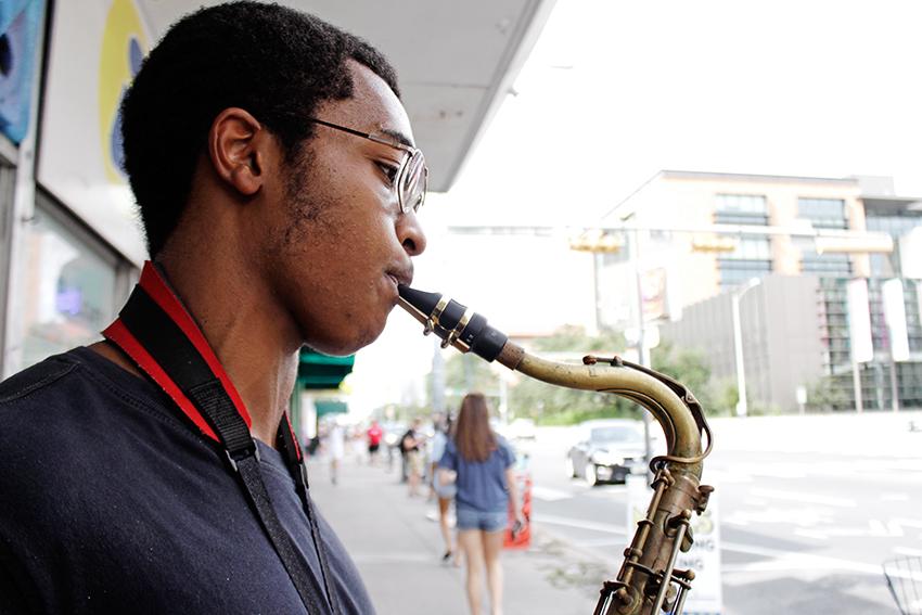 2016-09-08_Jazz_Musician_Carlos