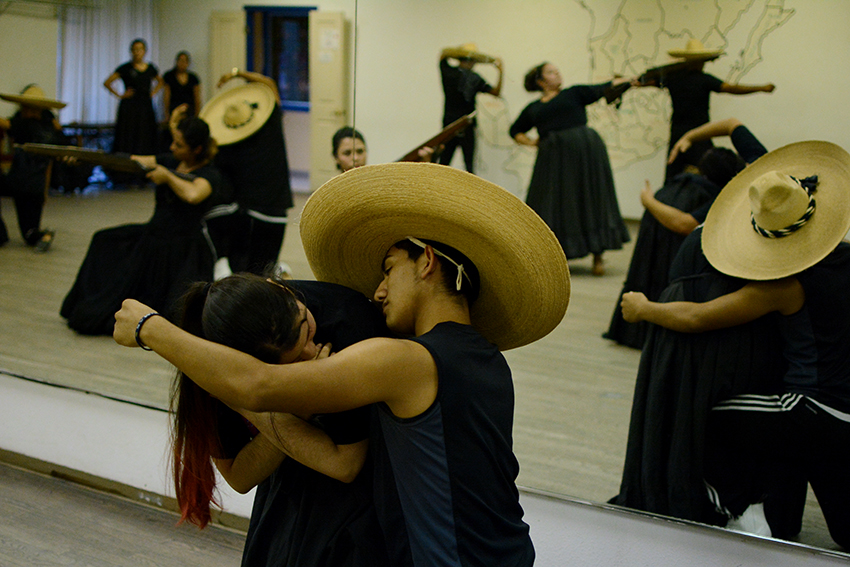 2016-09-14_Latin_Dance_Studio_Chase