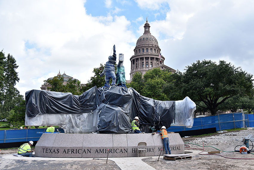 2016-10-05_African_American_Statue_Zoe