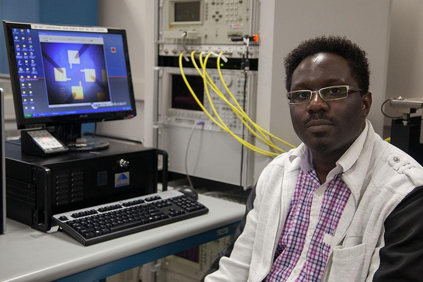 Akinwande Lab-20_Courtesy_of_Associate Professor Deji Akinwande