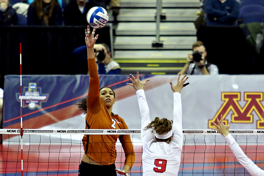 NCAAVolleyball_FinalFour_Texas_vs_Nebraska_Joshua