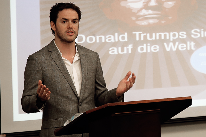 2017-03-09_Trump_Prof_Juan