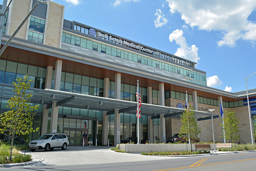 2017-07_10_Dell_Medical_Center_Brittany_Le191755