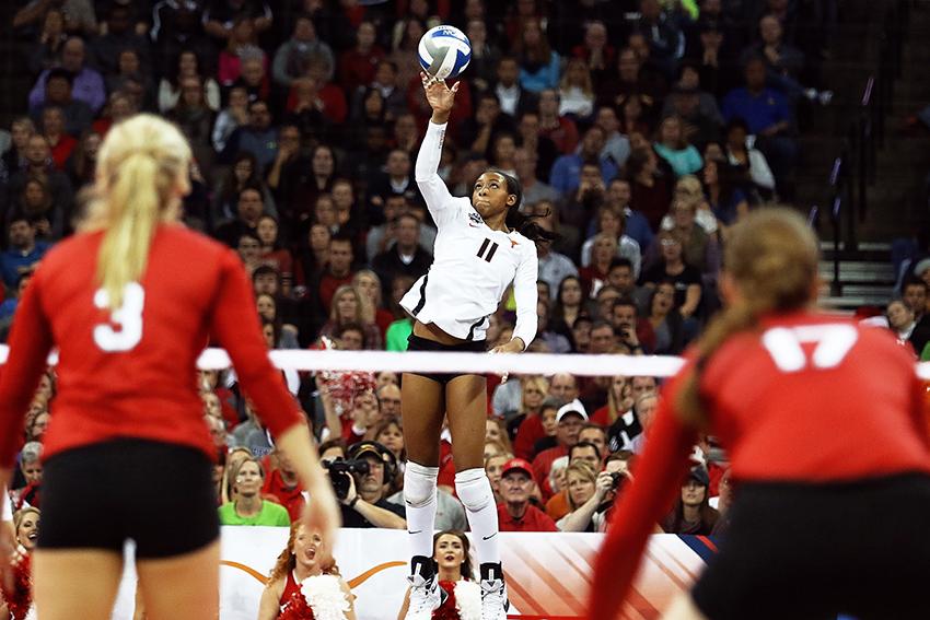 2015-12-19_NCAA_Volleyball_Championship_Texas_vs_Nebraska31403