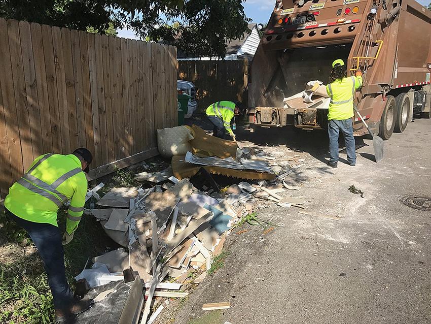 CityCleanHarvey_915_Courtesy+of+Austin+Recycles