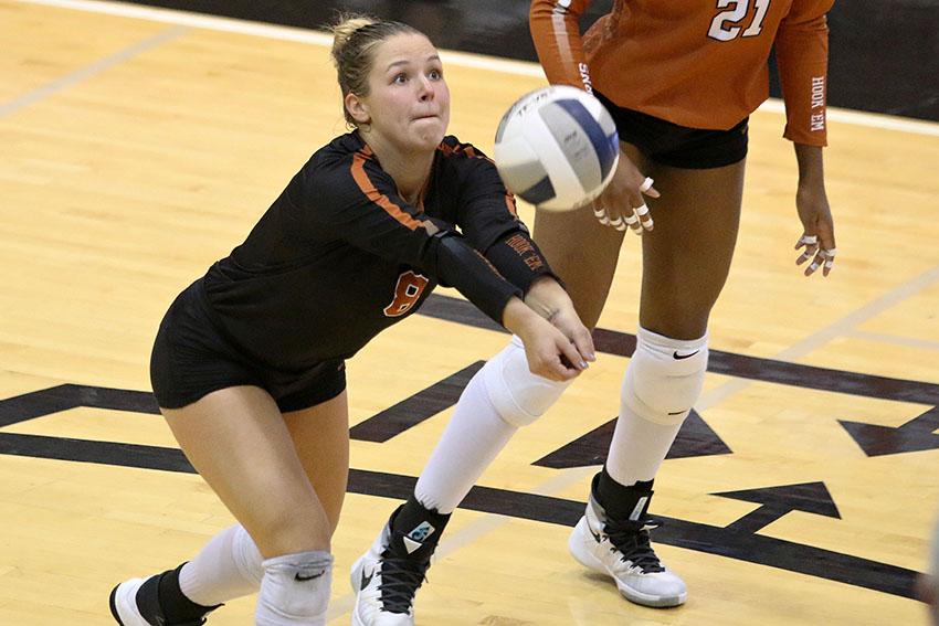 *volleyball_09-07-17_UT_vs_Denver_Brooke