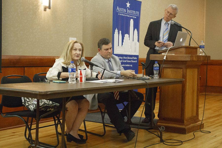 Immigration_1019_2017-10-19_Immigration_Debate_Evelyn