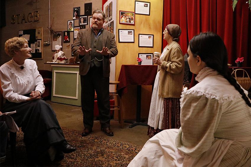 Theater2018-01-29_Uncle_Vanya_Hannah