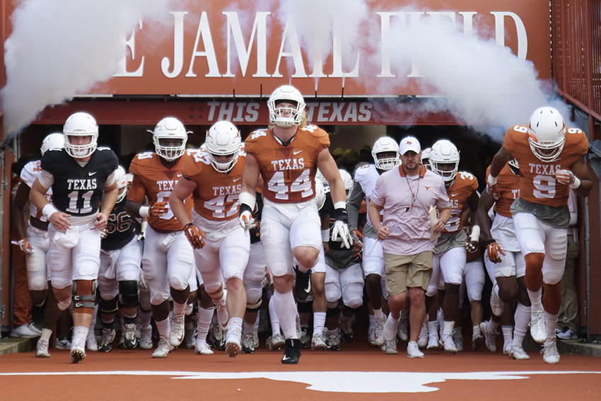 Football_2018-04-23-Texas_Spring_Game_Anthony