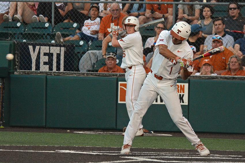 Baseball_2018-04-25_Texas_Baseball_vs_Houston_Katie