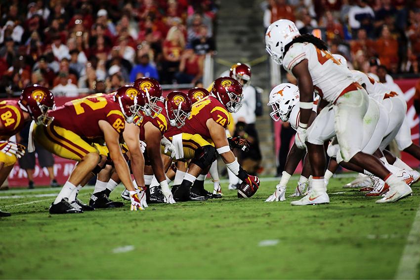 Texas_v_USC_football_Juan