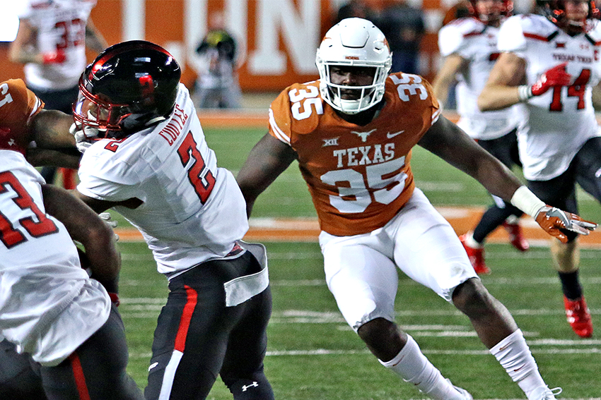 football_2017-11-25_Texas_v