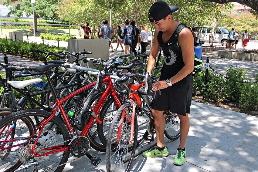 bikes_2018-08-24_Bikes_on_campus_Hannah