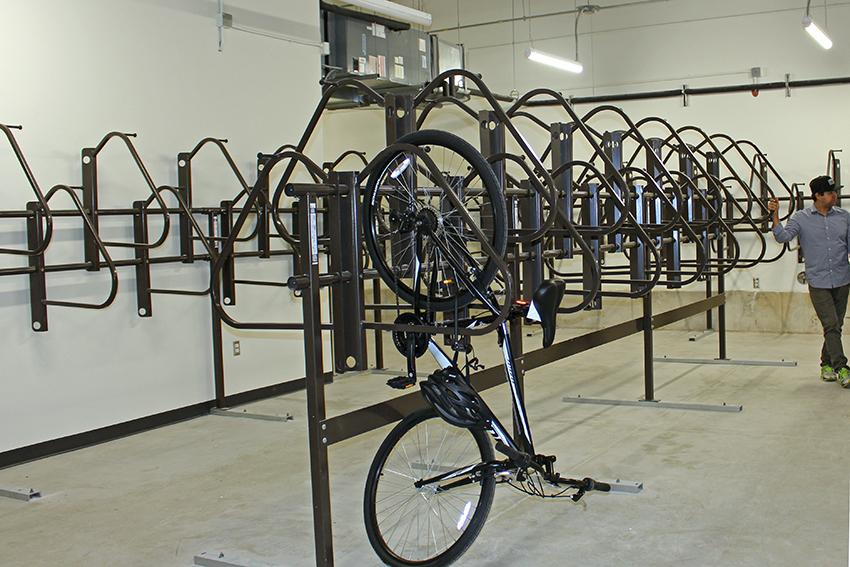 Bike_2018-09_11_east_campus_garage_leah