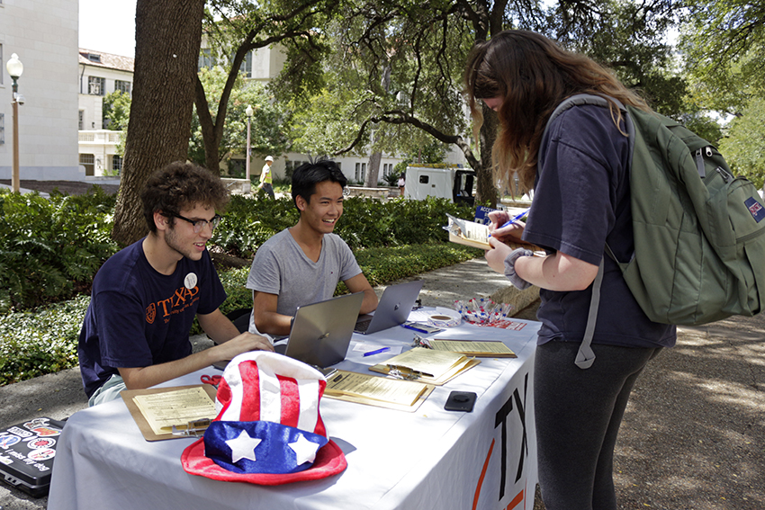 Vote_2018-09-18_Texas_Vote_Hannah