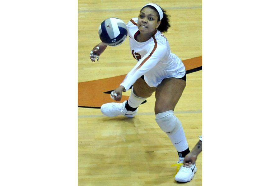 volleyball_2018-09-27_Texas_v_Baylor_Anthony