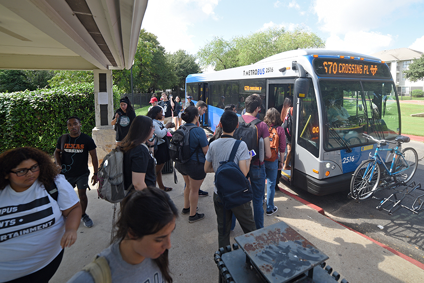 Cap_Metro_2018-10_04_Riverside_Bus_Stop_Eddie