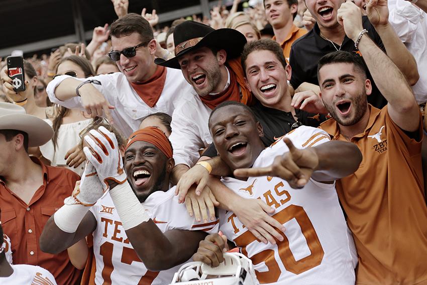 Football2018-10-08_Texas_vs_OU_Carlos