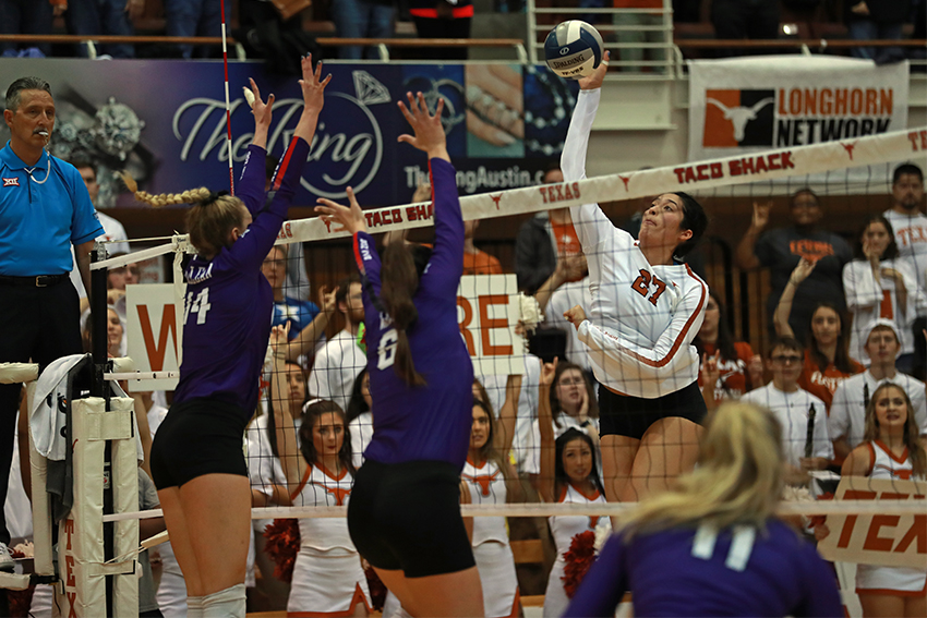 Volleyball_2018_10_15_Texas_vs_TCU_Dakota