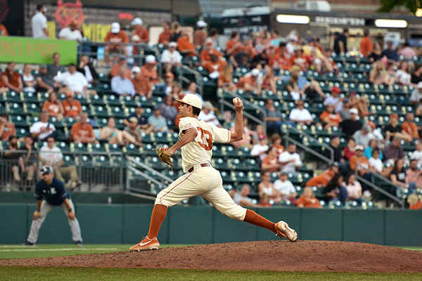 Bocchi_2019-04-10_Texas_VS_Rice_Baseball_Pedro