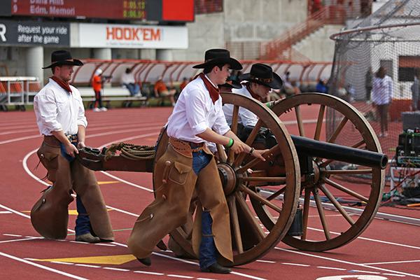 DEM_BOYZ_Texas_Cowboys_2018-03-31_Texas_Relays_Angela