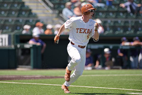 Ryan_Reynolds_2019-04_15_ Texas_Baseball_v_Kansas_Eddie