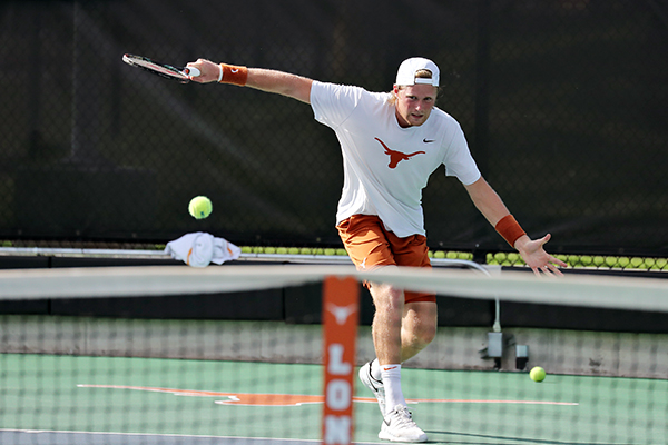 Christian_Sigsgaard_2019-05-05_NCAA_2nd_Round_Texas_v_Florida_Joshua