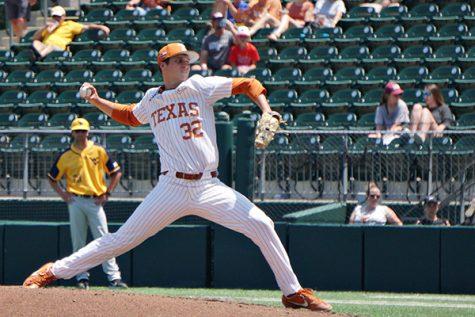 Ty_Madden_2019-04-29_Texas_Baseball_v_W_Virginia_2_JP