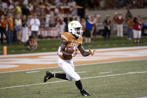 jamison_2018-09-08_Texas_vs_Tulsa_Carlos