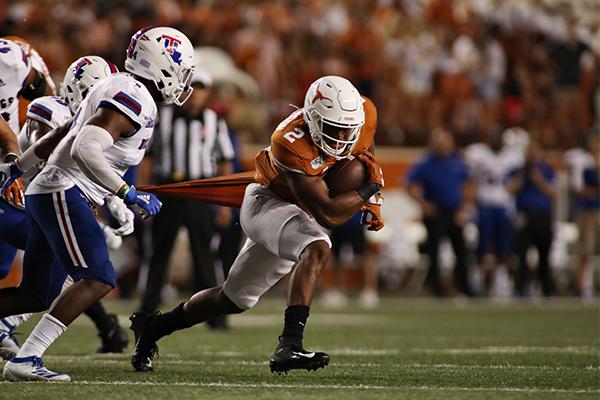 coach_2019-08-31-Texas_v_Louisiana_Tech_Joshua
