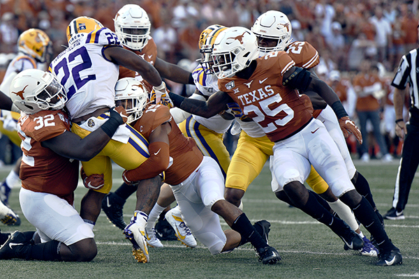 football2-2019-09-07-Texas_v_Louisiana_State_University_Anthony