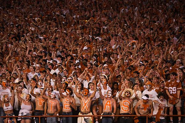 hellraisers_2019-09-07-Texas_v_Louisiana_State_University_Eddie