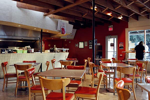 changos_2019-11_5_Changos_Restaurant_Closing_Jamie