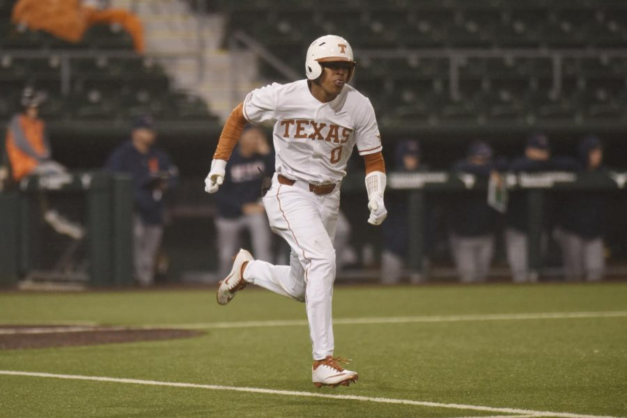 Longhorn+baseball+fails+to+sweep+Sooners%2C+fall+3-2+in+series+finale